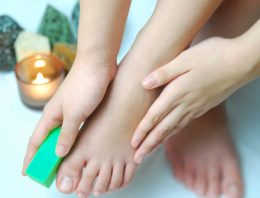 Listerine and Baking Soda Remedy for Feet Care