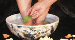 DIY Peppermint Foot Soak