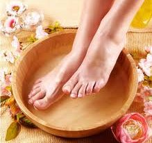 Vinegar for Feet Cleaning