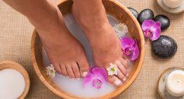 Listerine and Water Foot Soak