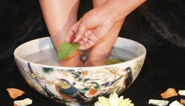 DIY Peppermint Foot Soak